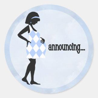Pegatinas de la invitación del bebé azul pegatina redonda