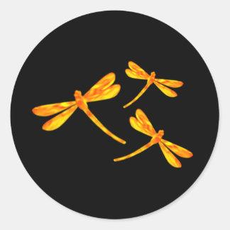 Pegatinas de la libélula - fuego pegatina redonda