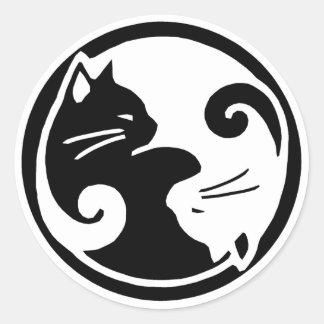 Pegatinas de los gatos de Yin Yang Etiqueta Redonda
