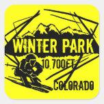 Pegatinas del amarillo de la elevación del esquí pegatina cuadrada