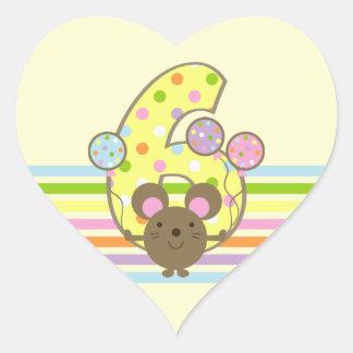 Pegatinas del corazón del cumpleaños del amarillo pegatina en forma de corazón