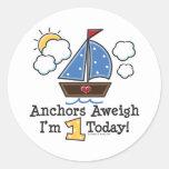 Pegatinas del cumpleaños del velero Aweigh de las Pegatinas Redondas