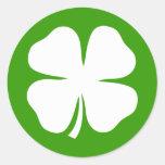 Pegatinas del día del St Patricks con los tréboles