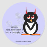 Pegatinas del fiesta de la compasión del pingüino etiqueta redonda