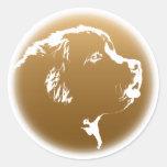 Pegatinas del perro de Terranova de los pegatinas Etiquetas Redondas