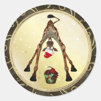 Pegatinas divertidos del navidad de la jirafa y de pegatina redonda