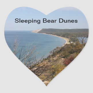 Pegatinas durmientes de las dunas del oso del pegatina en forma de corazón