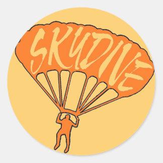Pegatinas fanáticos skydive anaranjados de la pegatina redonda