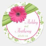 Pegatinas florales blancos del boda del verde rosa etiquetas redondas
