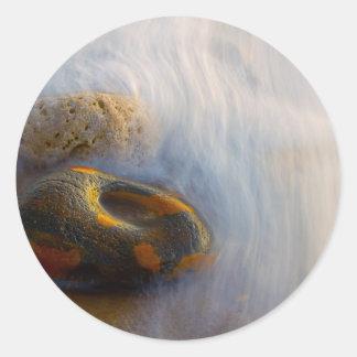 Pegatinas hermosos de la agua corriente pegatinas redondas
