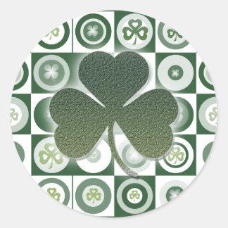 Pegatinas irlandeses de los tréboles pegatina redonda