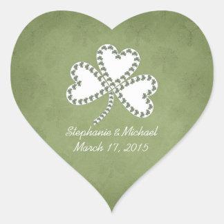 Pegatinas irlandeses del boda de los tréboles del pegatina en forma de corazón