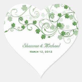 Pegatinas irlandeses del boda del trébol pegatina en forma de corazón