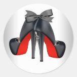 Pegatinas negros rojos elegantes del zapato del pegatina redonda