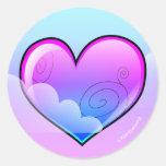 Pegatinas nublados del corazón (versión púrpura) etiqueta redonda