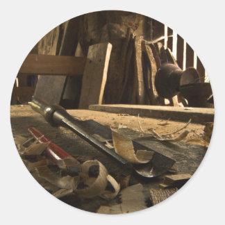 Pegatinas ocupados del taller de los carpinteros pegatina redonda