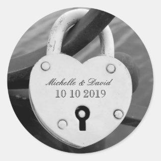 Pegatinas personalizados de la fecha del boda de pegatina redonda