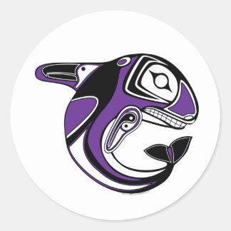 Pegatinas púrpuras del tótem de la ballena pegatina redonda