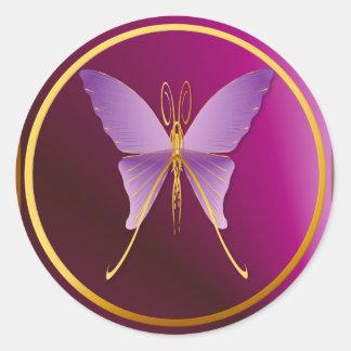 Pegatinas púrpuras grandes de una mariposa pegatina redonda