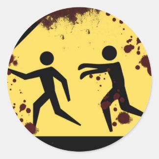 Pegatinas rápidos sangrientos de los zombis pegatina redonda