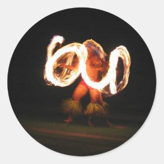 Pegatinas redondos de la danza del fuego de pegatina redonda