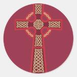 Pegatinas rojos de la cruz céltica pegatinas redondas