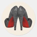 Pegatinas rojos del zapato del tacón alto etiquetas redondas