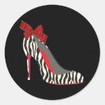 Pegatinas rojos elegantes del zapato del tacón etiquetas redondas