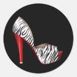 Pegatinas rojos elegantes del zapato del tacón etiqueta redonda