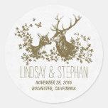 Pegatinas románticos del boda de los ciervos pegatinas redondas