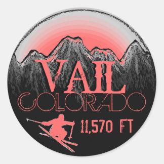 Pegatinas rosados de la montaña del esquí de Vail Pegatina Redonda