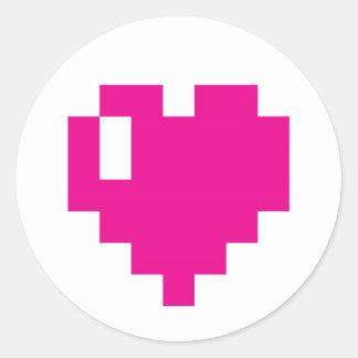 Pegatinas rosados del corazón del pixel pegatina redonda