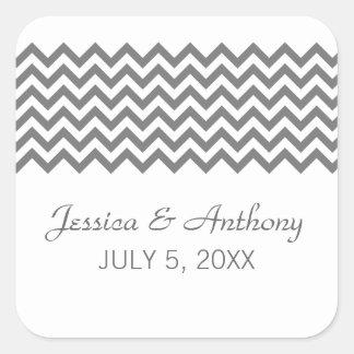 Pegatinas simples grises del boda de Chevron Calcomanías Cuadradas Personalizadas