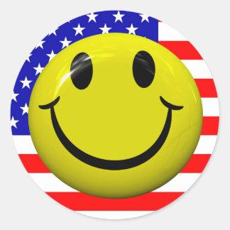 Pegatinas sonrientes de la cara de la bandera etiquetas redondas
