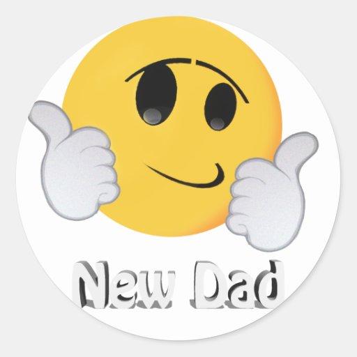 Pegatinas sonrientes de la cara del nuevo papá etiqueta redonda
