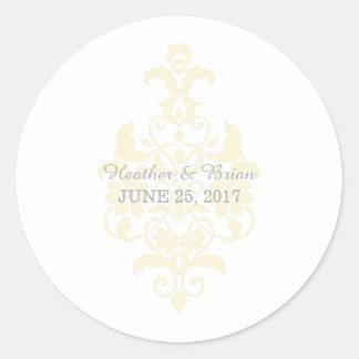 Pegatinas sutiles amarillos del boda del damasco pegatina redonda