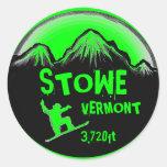 Pegatinas verdes claros del arte de la snowboard pegatina redonda