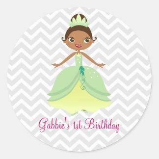 Pegatinas verdes de la princesa feliz cumpleaños pegatina redonda