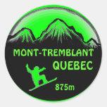 Pegatinas verdes del arte de la snowboard de Mont Etiquetas Redondas