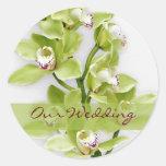 Pegatinas verdes del boda de la orquídea del pegatinas redondas