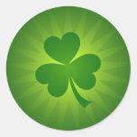 Pegatinas verdes del trébol del día del St Pegatina Redonda