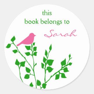 Pegatinas verdes rosados bonitos del libro del pegatina redonda