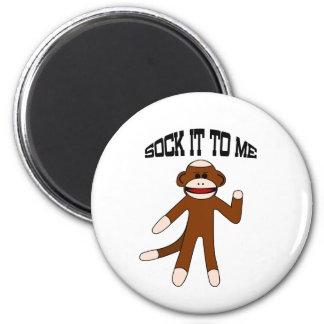 Pegúelo a mí mono del calcetín imán redondo 5 cm