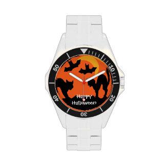 Pelea de gatos de Halloween del gato negro Relojes