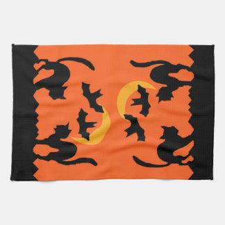 Pelea de gatos de Halloween Toallas De Mano