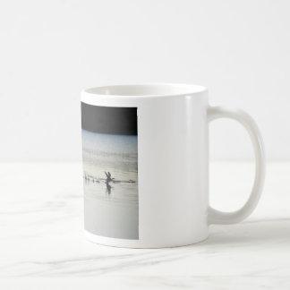 PELICAN & DUCK EARLY MORNING LANDING AUSTRALIA CLASSIC WHITE COFFEE MUG