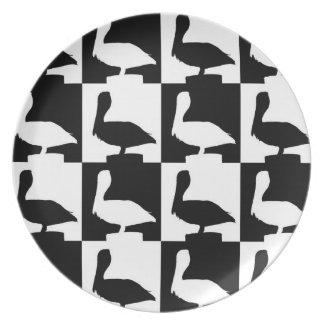 pelicane plate black and white