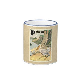 Pelícano en la playa taza