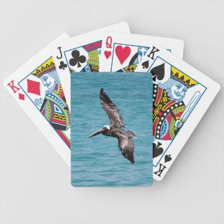 Pelícano en vuelo cartas de juego