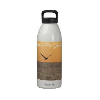 Pelícano en vuelo; Recuerdo de México Botella De Agua